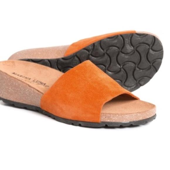 807d0ccf56 Marina Luna Comfort Hermès Orange Slide @ TjMaxx. M_5b32546bbaebf64348826ffd
